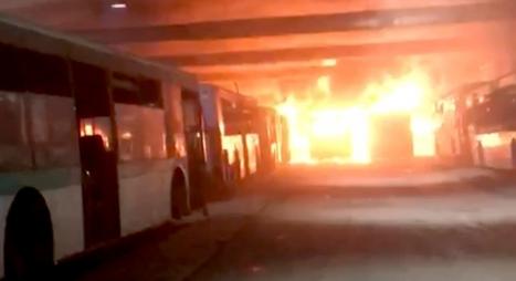اندلاع حريق بمستودع لحافلات النقل الحضري بالدار البيضاء