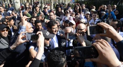 """اتهامات حاجي """"الخطيرة"""" لحامي الدين تدفع هيئة محكمة فاس إلى رفع الجلسة"""