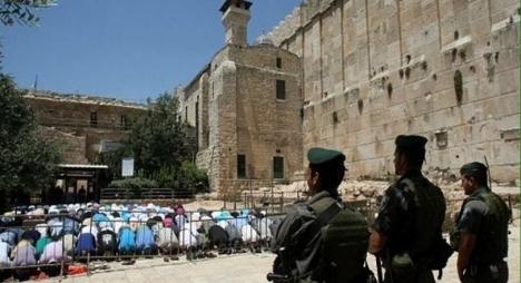 الاحتلال يمنع الأذان بالمسجد الإبراهيمي 298 مرة