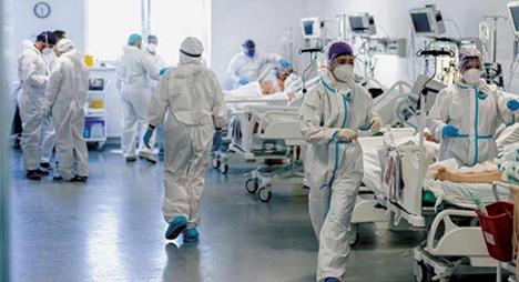 """الصحة العالمية: وفيات """"كورونا"""" تتراجع عالمياً لكنها في مستويات غير مقبولة"""