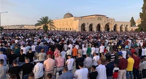 تعليق الصلاة في المسجد الأقصى المبارك