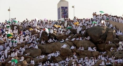أزيد من مليوني حاج يقفون على صعيد عرفة لأداء ركن الحج الأعظم