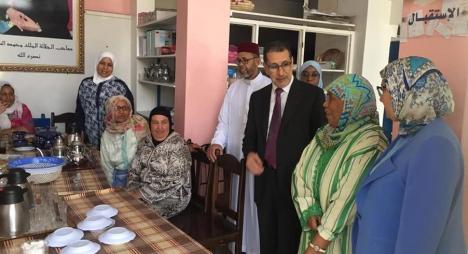 في زيارته لجمعية مرضى السرطان.. العثماني يشيد بروح التضامن والتكافل الاجتماعي للمغاربة