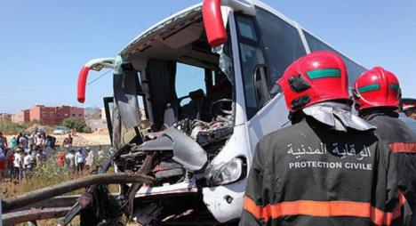 القنيطرة.. مصرع شخصين وإصابة 30 آخرين في حادث انقلاب حافلة لنقل المسافرين