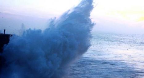 أمواج خطيرة تصل إلى 6 أمتار على السواحل الأطلسية ابتداء من بعد غد الاثنين