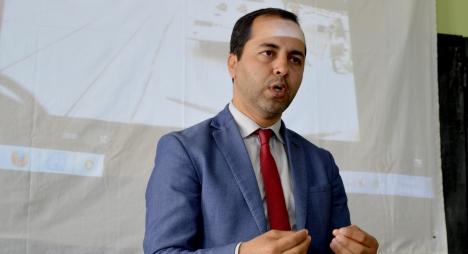 نائب رئيس جماعة أكادير يبدع في التواصل  مع الساكنة