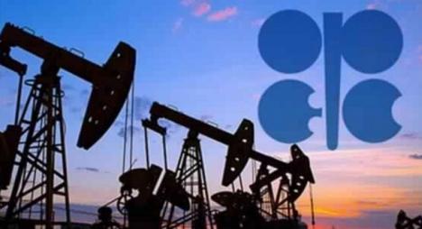 أسعار النفط ترتفع مع احتمال تمديد اتفاق خفض الإنتاج