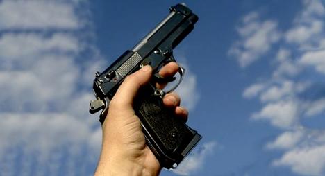 أولاد نمة.. مفتش شرطة يضطر لاستعمال سلاحه الوظيفي لتوقيف شخص من ذوي السوابق القضائية