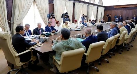 تنفيذ نتائج الحوار الاجتماعي على طاولة مجلس الحكومة