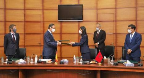 المغرب-إسبانيا.. توقيع اتفاقية تعاون حول التمكين الاقتصادي للنساء والشباب