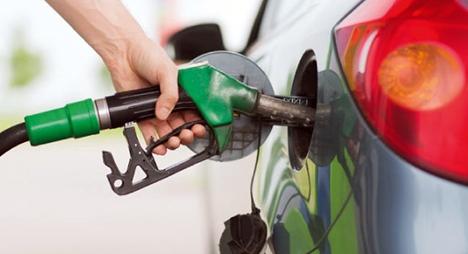 انخفاض جديد في أثمنة الغازوال والبنزين في محطات التزود بالوقود ابتداء من يوم غد الجمعة