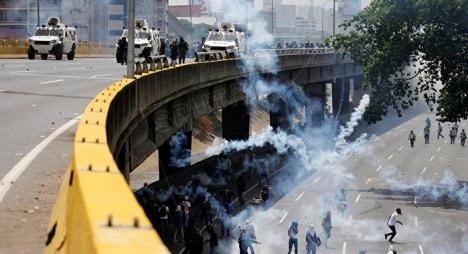 فنزويلا تعيش على صفيح ساخن والمجتمع الدولي يدق ناقوس الخطر