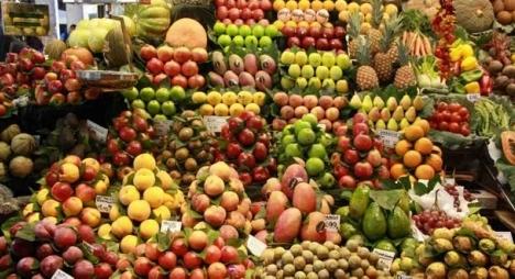 تزويد السوق الوطني بكل أنواع الفواكه يمر في ظروف عادية