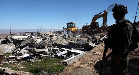 جيش الاحتلال الإسرائيلي يهدم عشرات المنشآت الفلسطينية