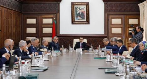 رئيس الحكومة: حريصون على رفع جودة التعليم وصناعة التفوق