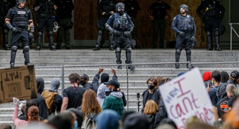 """""""احتجاجات أمريكا"""".. الأمم المتحدة تدعو للإصغاء للمظالم وممارسة ضبط النفس"""