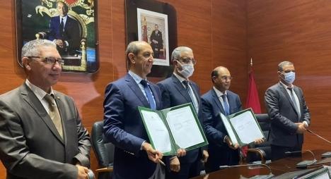 رباح يترأس التوقيع على اتفاقية شراكة بين قطاع البيئة والمركز الوطني للطاقات والعلوم والتقنيات النووية