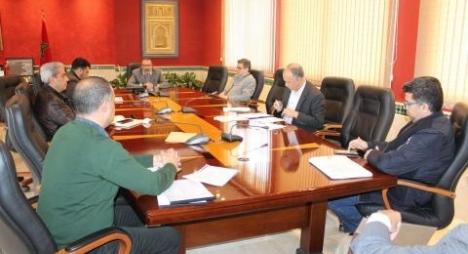عمدة طنجة ومقاطعات المدينة يتخذون هذه الإجراءات المالية لمواجهة كورونا