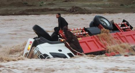 كلميم: إنقاد 5 أشخاص و11 آخرين في عداد المفقودين بوادي تلمعدرت