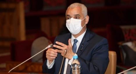 """وزير الصحة يقدم تفسيرات حول أسباب ارتفاع حالات الإصابة بـ""""كورونا"""""""