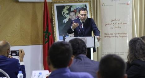 الخلفي: نجاح الديمقراطية التشاركية رهين بتكاملها مع الديمقراطية التمثيلية