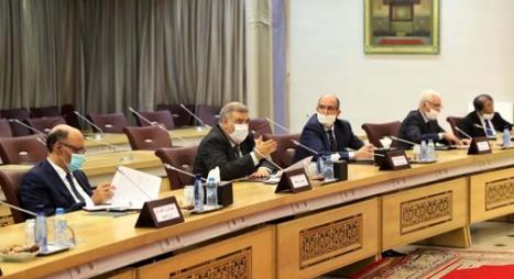 وزير الداخلية يدعو الأحزاب السياسية إلى تقديم مقترحاتها بخصوص المنظومة الانتخابية