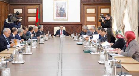 المجلس الحكومي يصادق على أربعة مراسيم تتعلق بالهيئات الاستشارية الثلاثية التركيب