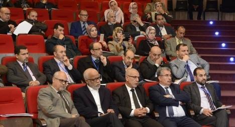 """بالإجماع..مؤتمر""""محامون من أجل العدالة"""" يوافق على مشروع تعديل القانون الأساسي"""