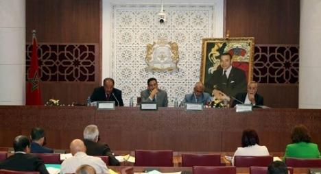 لجنة الداخلية بمجلس النواب تصادق بالإجماع على مشاريع قوانين أراضي الجماعات السلالية