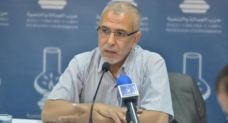 """العمراني يكشف حقيقة وجود """"أزمة داخلية"""" بالعدالة والتنمية"""