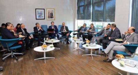 اللجنة الخاصة بالنموذج التنموي تعقد جلسة استماع مع ممثلي مؤسسة الوسيط