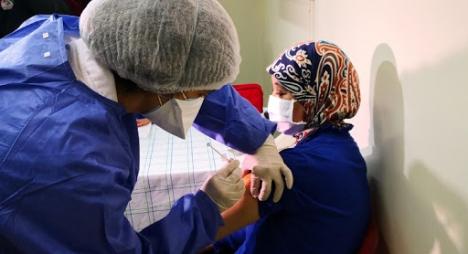 المغرب يشرع في تقديم الجرعة الثانية من اللقاح المضاد لكوفيد-19