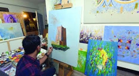 الحكومة تحدث جائزة وطنية للفنون التشكيلية