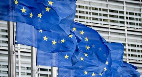 الاتحاد الأوروبي يوافق بالإجماع على فرض رسوم جمركية ردا على ترامب