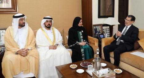 رئيس الحكومة يتباحث مع وفد إماراتي سبل تعزيز العلاقات الثنائية