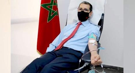 بعد تبرعه بالدم.. رئيس الحكومة يدعو المواطنين لإنقاذ الأرواح والرفع من المخزون الوطني للدم