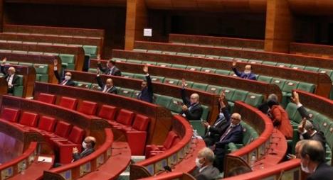 مجلس المستشارين يصادق علىمشروع قانون يتعلق بمزاولة أنشطة الصناعة التقليدية
