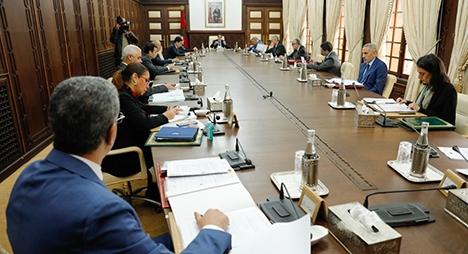 """الحكومة تُراهن على التزام المواطنين بالإجراءات الوقائية لمواجهة """"كورنا"""""""