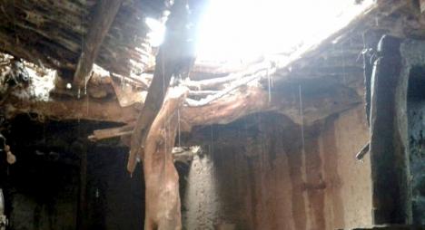 انهيار سقف منزل طيني يودي بحياة سيدة بإقليم الحوز