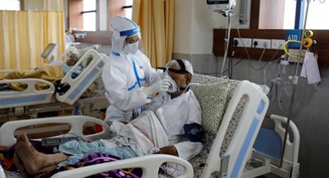 """""""كورونا"""".. الإصابات تتجاوز عتبة 30 مليونا والوفيات تقترب من المليون"""