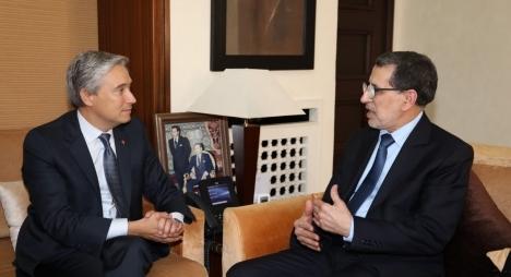 العثماني يجري مباحثات مع وزير الشؤون الخارجية الكندي
