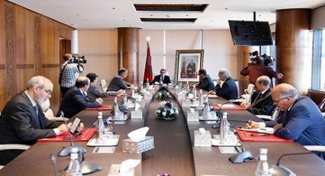 العثماني يؤكد حرص الحكومة على تحسين الخدمات الصحية وحماية المواطنين من انتشار فيروس كورونا