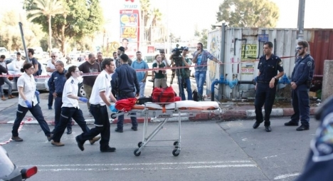 فدائيان يطلقان النار على الصهاينة في تل أبيب ويقتلان أربعة
