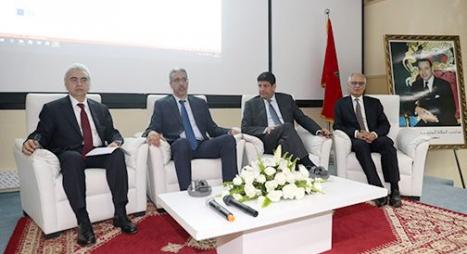 """""""وزارة رباح"""" تكشف نتائج دراسة حول مراجعة الإستراتيجية الطاقية بالمغرب"""