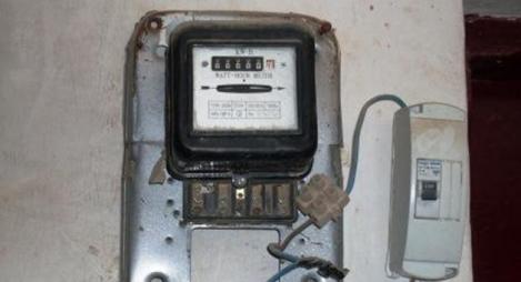 """البرلماني الزيتي ينفي تهمة """"سرقته للتيار الكهربائي"""" بفكيك"""