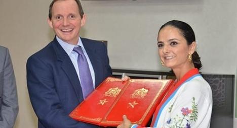 التوقيع على مذكرة تفاهم في مجال التكوين المهني مع المملكة المتحدة