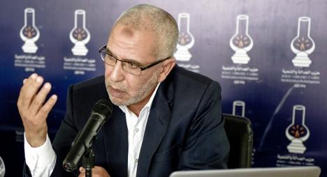"""توضيح العمراني بشأن تداول أمانة """"المصباح"""" في التعديل الحكومي"""