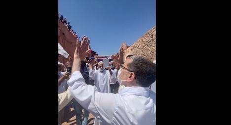 شيشاوة.. ساكنة جماعة تيمزگاديوين تستقبل العثماني بحفاوة كبيرة (فيديو)