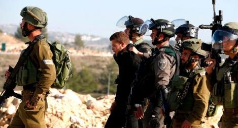 الاحتلال يعتقل نوابا ووزيرا سابقا بالضفة الغربية