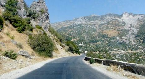 وزارة التجهيز: هذا موعد توسعة الطريق الرابطة بين تارسوات وتيزي أومانوز بتيزنيت